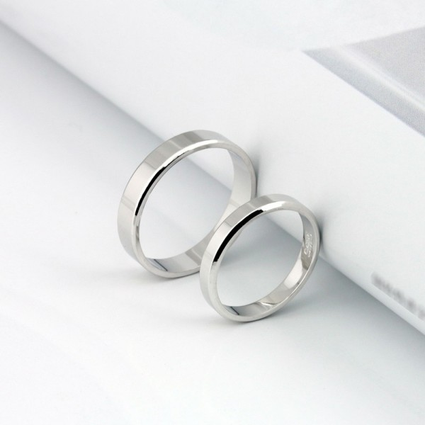Engravable Simple Couple Rings In 925 Sterling Silver For Valentine's Day present