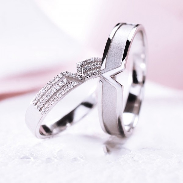 Engravable White Gold Plated Promise Ring For Couples In 925 Sterling Silver