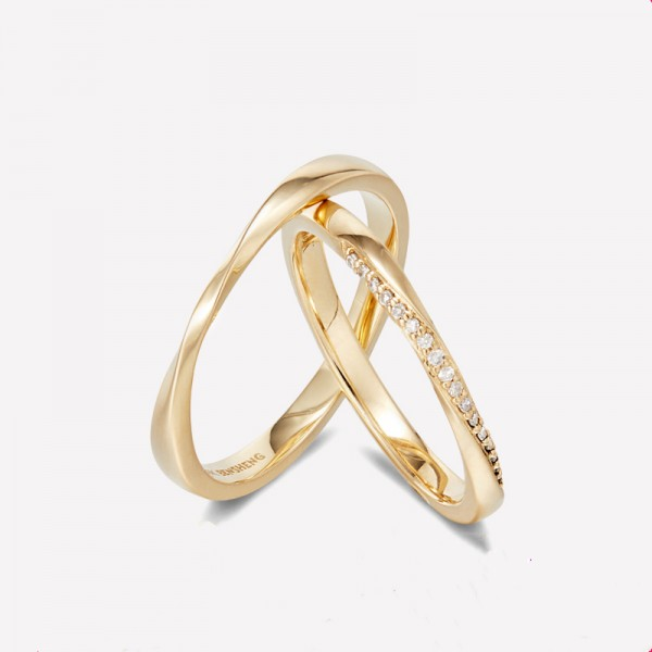 9k Gold Mobius Band Anniversary Ring For Couples Diamond Wedding Ring