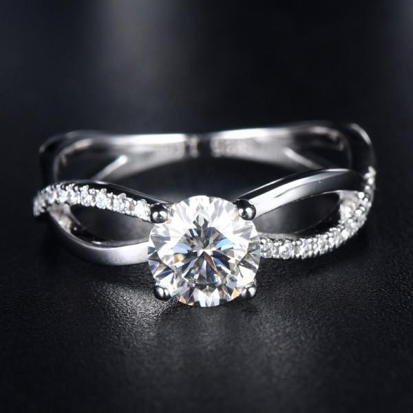 Engravable Infinity Moissanite Promise Ring For Women In Sterling Silver