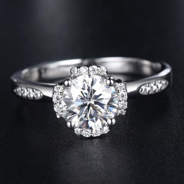 Engravable Cluster Moissanite Promise Ring For Women In 925 Sterling Silver