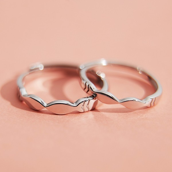 Engravable Kissing Fish Promise Ring For Couples In Sterling Silver