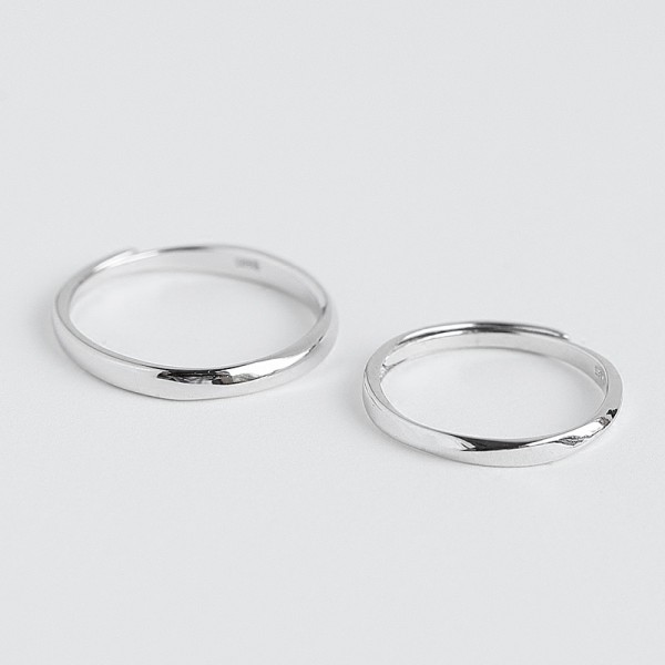 Engravable Simple Mobius Promise Band For Couples In Sterling Silver