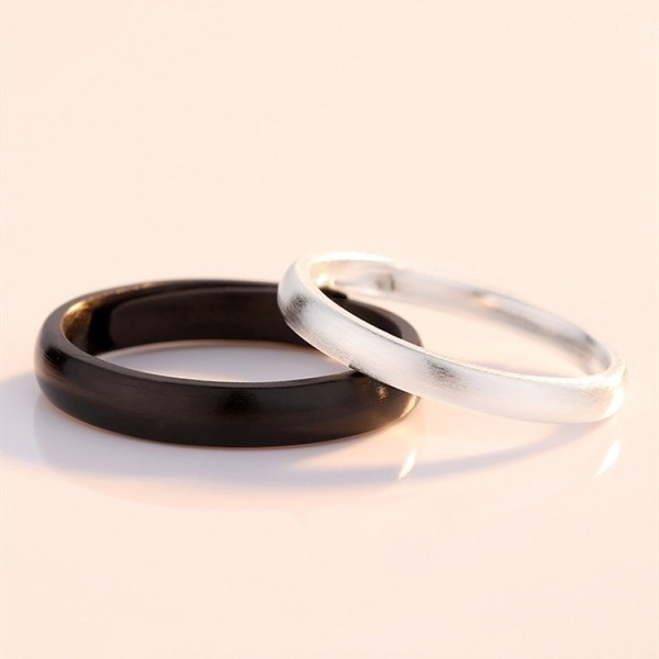 Adjustable Day And Night Promise Ring For Couples In Sterling Silver