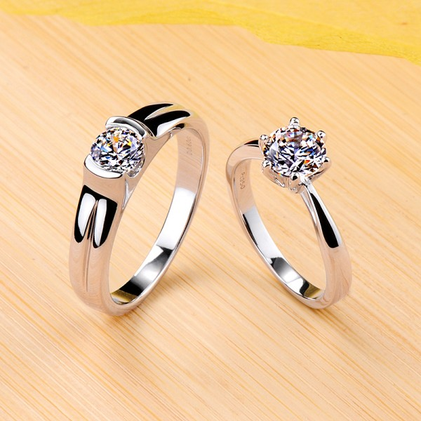 Engravable Solitaire Moissanite Couple Wedding Bands In Silver