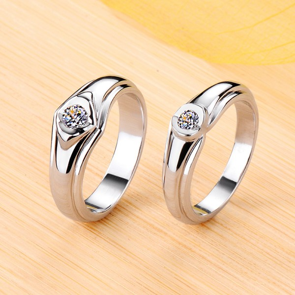 Personalized Solitaire Moissanite Couple Wedding Bands In Silver