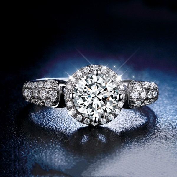 Engravable Round Cut 1 Carat tw Cluster With Side Accent Moissanite Engagement Rings In 18K Gold