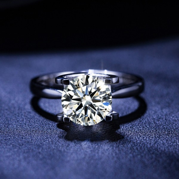 Round Cut 1 Carat tw Solitaire Womens Moissanite Rings In Sterling Silver