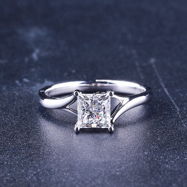 Princess Cut 1 Carat tw Solitaire Moissanite Rings In 18K White Gold