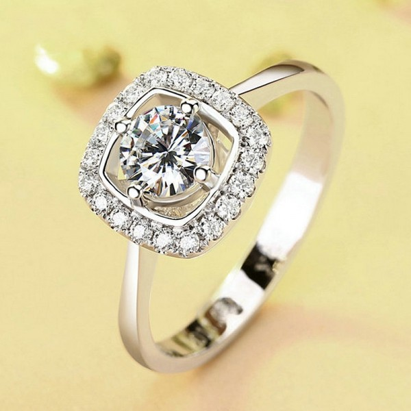 Round Cut 1 Carat Cluster Moissanite Rings For Womens In 18K White Gold