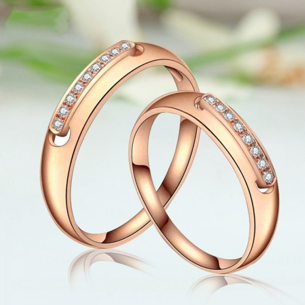 Engravable Round Cut 1.7 Carat tw Moissanite Wedding Band For Couple In 18K Yellow Gold