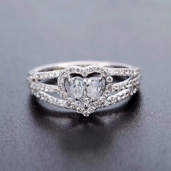 Oval Cut 2 Carat tw Matching Heart Moissanite Ring In 18K White Gold
